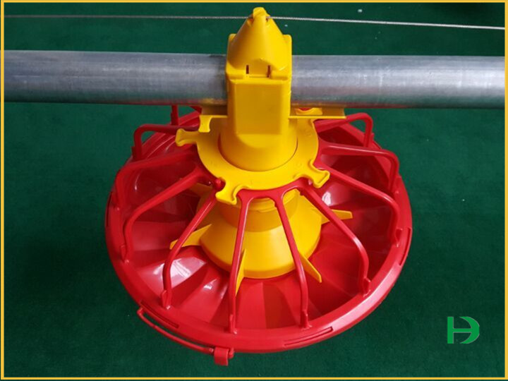 Chicken feeder pan,broiler pan feeding system,chicken pan feeders